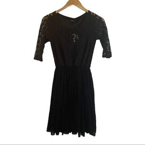 ASOS black lace synched dress NWT size US 4